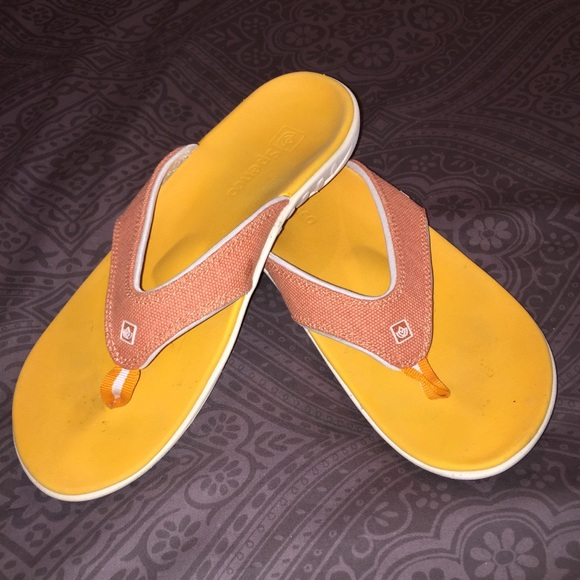 ade2b0f0506 Spenco Shoes - Sz 8 Spenco ortho flip flops. Extra arch support